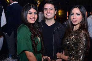 Naomi, Gustavo y Lily