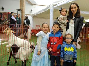 María Emilia, Luis Eduardo, Ghaffar, Amelia y Natalia