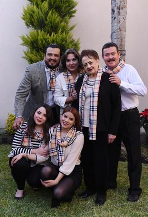 Sandra, Sonia, Jorge, Jaime, Sandra e Irma