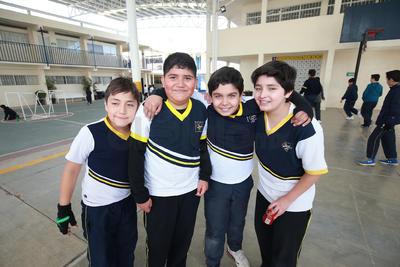 Andrés, Josué, David y Leo.