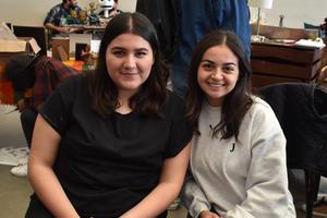 10012018 FERIA DE ARTES GRáFICAS.  Samantha y Jessica.
