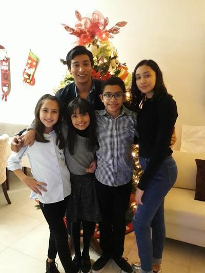 11012018 Carlos, Regina, Ximena, Emiliano y Luciana.