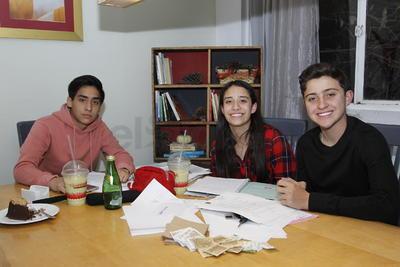 José, Andrea y Daniel.