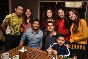 16012018 Zared, Linet, Paulina, Cynthia, Eduardo, Iván, Alexis y Axel.