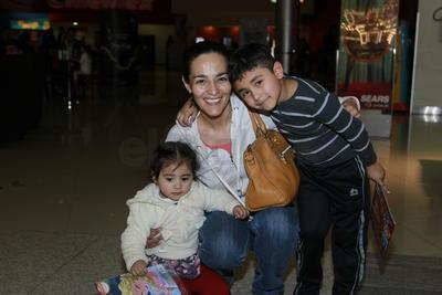 Vicky, Bruno y Hanna.