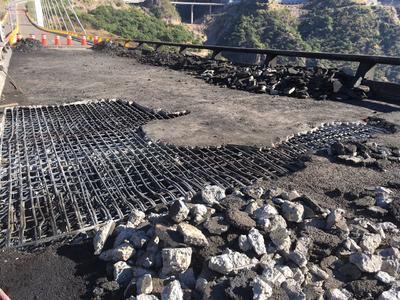 Incendio de pipa en la 'Súper' deja daños en puente