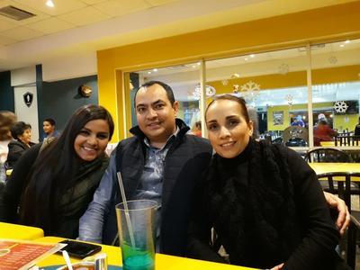 18012018 Karen, Marco y Estela.