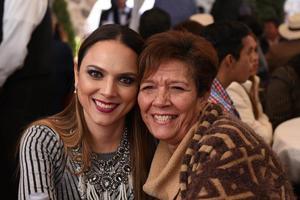 18012018 Mónica con su mamá, María Luisa.