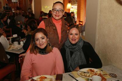 Rocío, Jessica y Dora.