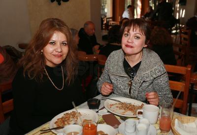 Maripaz Peña y Mayela Amaro.