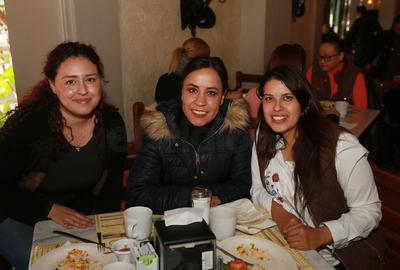 Jennifer, Pamela y Giovanna.