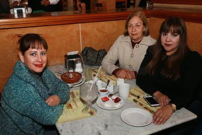 Flor, Sandra y Rosario.