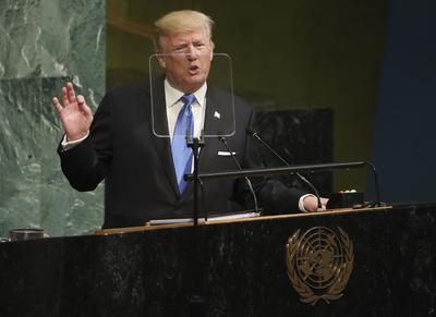 """19 septiembre.- En la Asamblea General de la ONU, Trump amenaza a Corea del Norte con la destrucción y llama """"Rocket Man"""" (hombre cohete) a su líder, Kim Jong-un."""