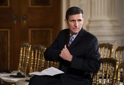 13 febrero.- Primera crisis política de su mandato: dimite el asesor de Seguridad Nacional, Michael Flynn, por mentir sobre su reunión con el embajador ruso.