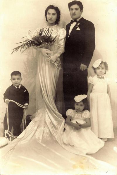 21012018 Srita. Esther Molina Molina (f) y Sr. Timoteo Ortega Casas (f), el 29 de diciembre de 1939, en su matrimonio religioso en la Catedral del Carmen.