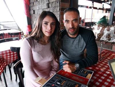 Angela y Juan Carlos.