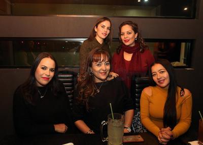 Carmen, Érika, Rebeca, Isela y Liliana.