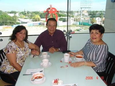 25012018 Caty, Raymundo y Roxana.