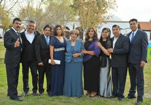 25012018 FELIZ CUMPLEAñOS.  Emma Mendoza Quezada acompañada de sus hijos.