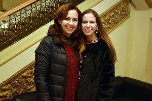 25012018 MUY CONTENTAS.  Clarisa y Daniela.