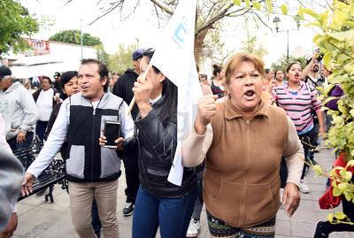 """Por otra parte, la alcaldesa de Gómez Palacio, Leticia Herrera Ale, consideró incorrecto que personas de otra entidad intenten realizar actos mediáticos """"con un claro afán proselitista""""."""