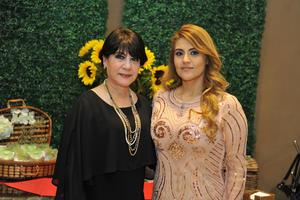 26012018 SE CASARá EN ABRIL.  Cercana se encuentra la fecha del enlace matrimonial de Mayra Lucía Lomas Flores, motivo por el cual le fue ofrecida una recepción prenupcial por parte de su mamá, María de la Luz Flores.