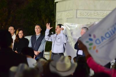 """Reconoció que las autoridades de Torreón """"saben respetar el estado de derecho y son solidarios con las mejores causas como la que hoy enarbola el pueblo de Chihuahua""""."""
