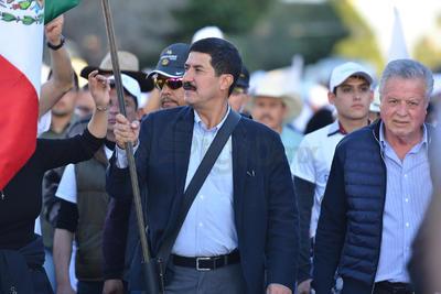 En la marcha participaron el alcalde Jorge Zermeño Infante y el excandidato a la gubernatura de Coahuila, Guillermo Anaya Llamas.