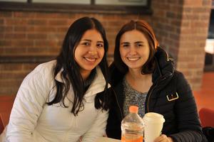 27012018 EN LA IBERO.  Paola y María.