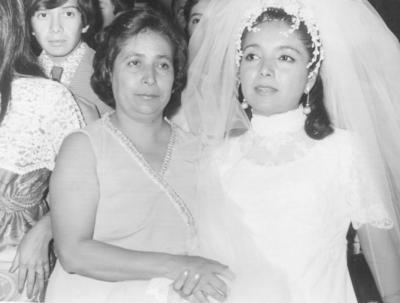 28012018 Amalia Emma Cedillo Rodríguez y Emma Rodríguez Arenas el 11 de noviembre de 1972.