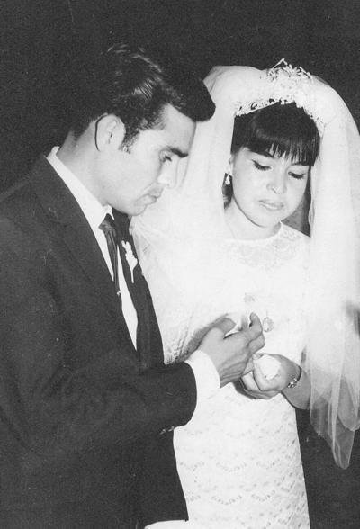 28012018 Sr. Eliseo Veloz Regalado y Sra. Soledad Félix de Veloz en su boda del 14 de febrero de 1970.