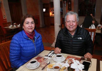 Margarita Espino y José Cruz Arreola.