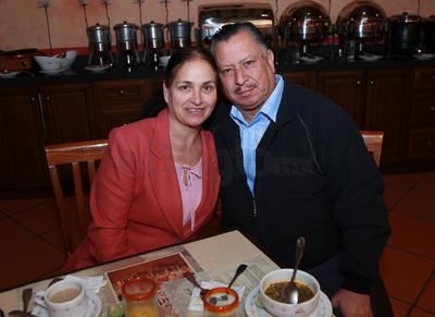 Armando García Luna y Sra.