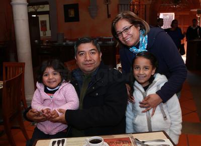 Familia Almonte Serrano.