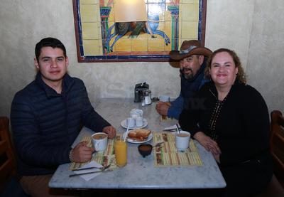 Familia Alvarado Meza.