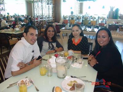 01022018 José, Alicia, Sol y Gaby.
