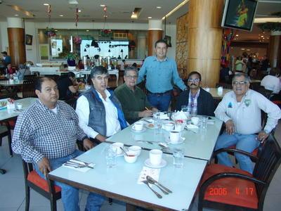 01022018 Reunión de la mesa directiva de la Red Internacional de Agricultura Orgánica, dirigida por Enrique Salazar.