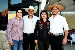 01022018 Yair, Luis, Sayra y Erick.