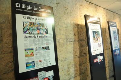 La exposición está conformada por las portadas históricas de El Siglo de Torreón.
