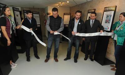 """Esta casa editora inauguró en conjunto con grupo Orlegi Deportes y Santos Laguna la exposición """"Acción que se lee""""."""