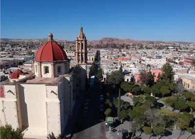 El Cerro de Mercado es una formación geológica del Valle del Guadiana, cuya característica principal es la de ser una mina a cielo abierto de fierro.