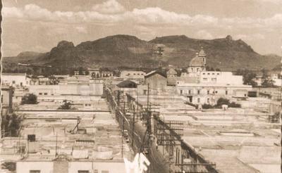 Las imágenes proporcionadas por el Archivo Histórico Municipal dan cuenta de cómo estaba el Cerro de Mercado.