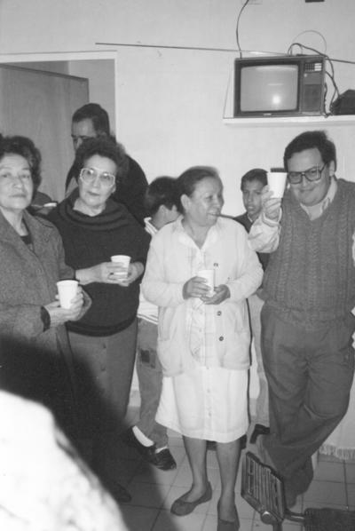 04022018 Ana María Velázquez (f), Magdalena Gómez (f), Guadalupe Ramírez (f) y Fco. Javier Velázquez en 1997.