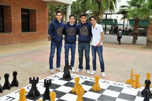 05022018 COMPAñEROS.  Gabriel, Fer, Mario y Mikel.