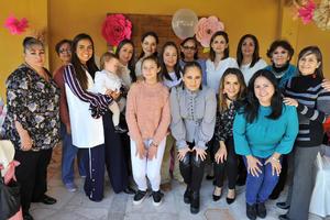 06022018 FUTURA MAMá.  Lorena Galván se encuentra muy contenta por el cercano nacimiento de su bebé, motivo por el que le organizaron un ameno baby shower al cual asistieron sus amigas cercanas.