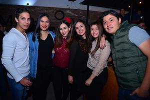 AgustIn, Natalia, Miriam, Ashley, Griselda y Emmanuel