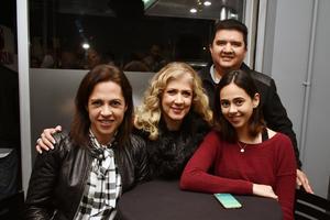 Gaby, Mónica, Fer y Jorge
