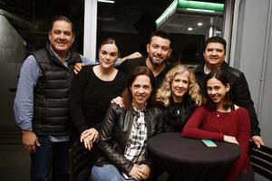 Luis, Gaby, Pepe, Gaby, Monica, Fer y Jorge