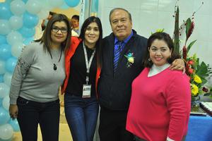 08022018 UN DíA INOLVIDABLE.  Dr. Roque Márquez en el festejo por su jubilación.