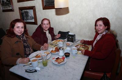 Norma, Lorena y Rosa María.
